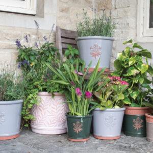 Garden stoneware, pots & accessories